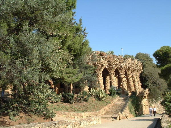 One of Gaudi's constructions blending in nicely with the surroundings of Parc Güell