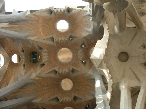 Ceiling of the Sagrada Familia: a modern interpretation of tree tops