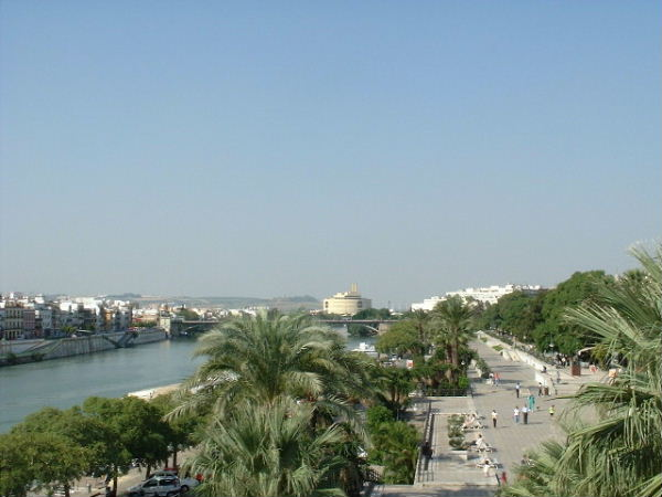River and walkway in Sevilla